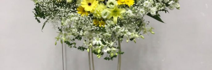 ハートのスタンドフラワー ・お祝いスタンド・黄色のスタンド花