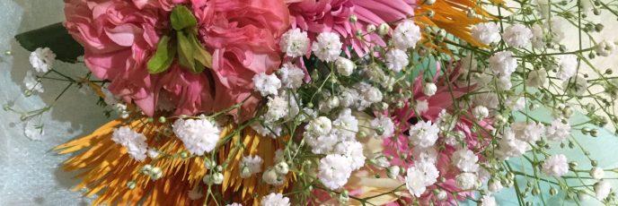 バラ(フィスタ・フリル)とガーベラの花束